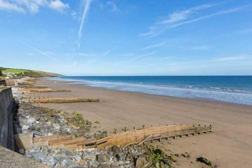 Amroth beach on a sunny day